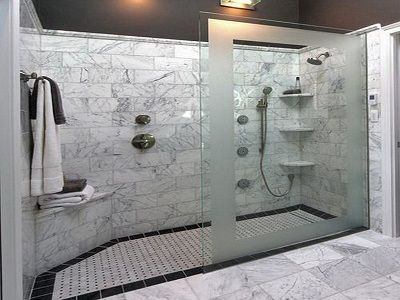 Shower With Partition Wall